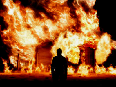 https://www.scaryforkids.com/pics/house-on-fire.jpg