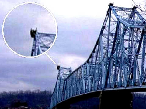 Silver bridge over ohio river movie